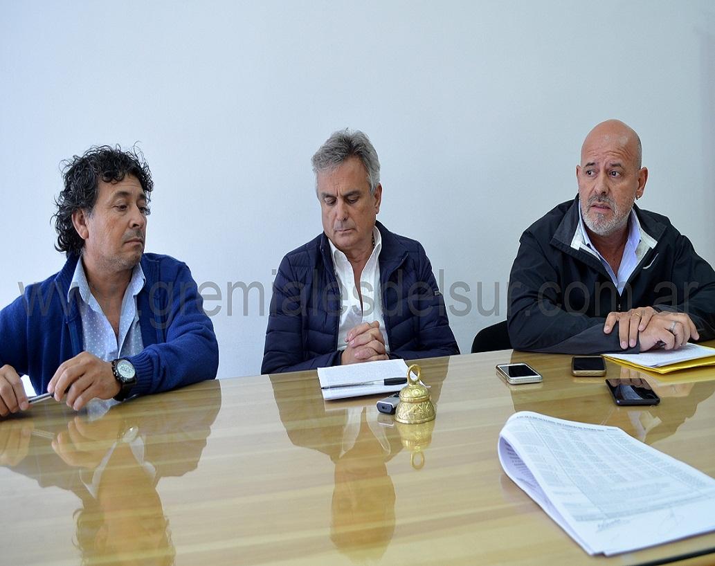 Firman acuerdo por cl usula gatillo en el sector mercantil for Clausula suelo firma acuerdo privado