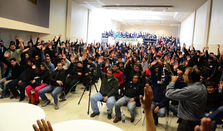 Petroleros Privados de Chubut  acordó el cierre y paralización de Yacimientos de Petróleo y Gas tanto en Comodoro Rivadavia como en Caleta Olivia.