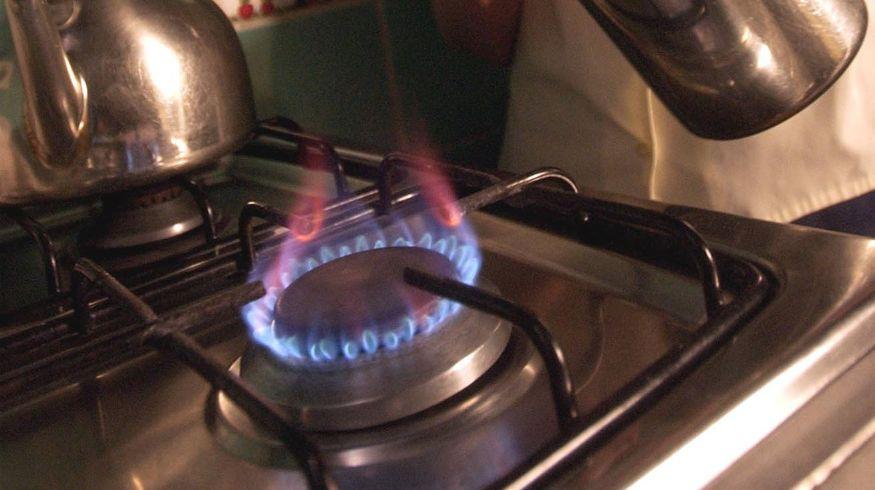 Un amparo judicial presentado por la Cámara Federal de La Plata avaló las acciones colectivas contra el aumento del gas y frenó la suba de la tarifa en todo el país.