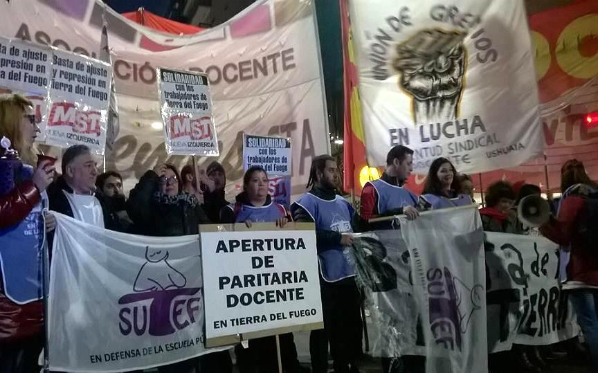 Integrantes del SUTEF de Tierra del Fuego participan de diversas acciones en Capital Federal. Foto: Face Bruno Arde.